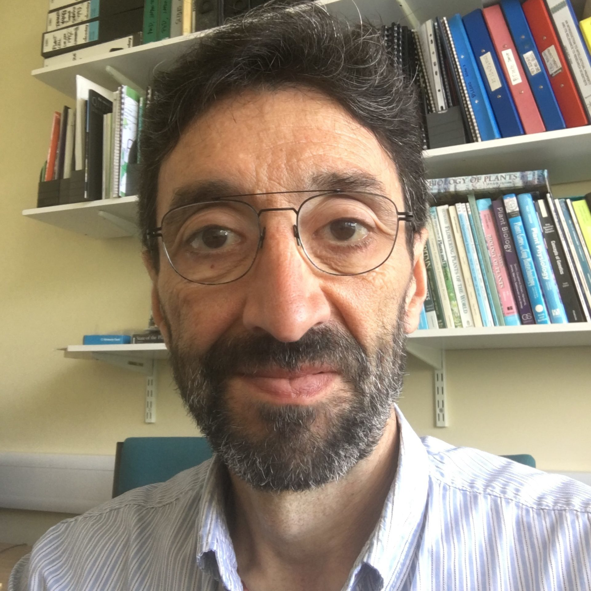 Dr.Enrique Lopez-Juez